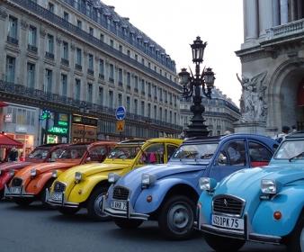 Rallye Tour du Monde en 2CV à Paris