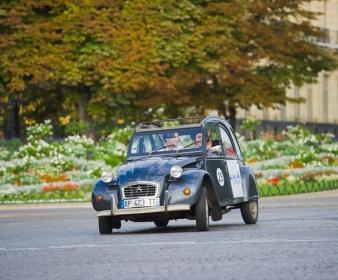 Rallye à Versailles en 2CV