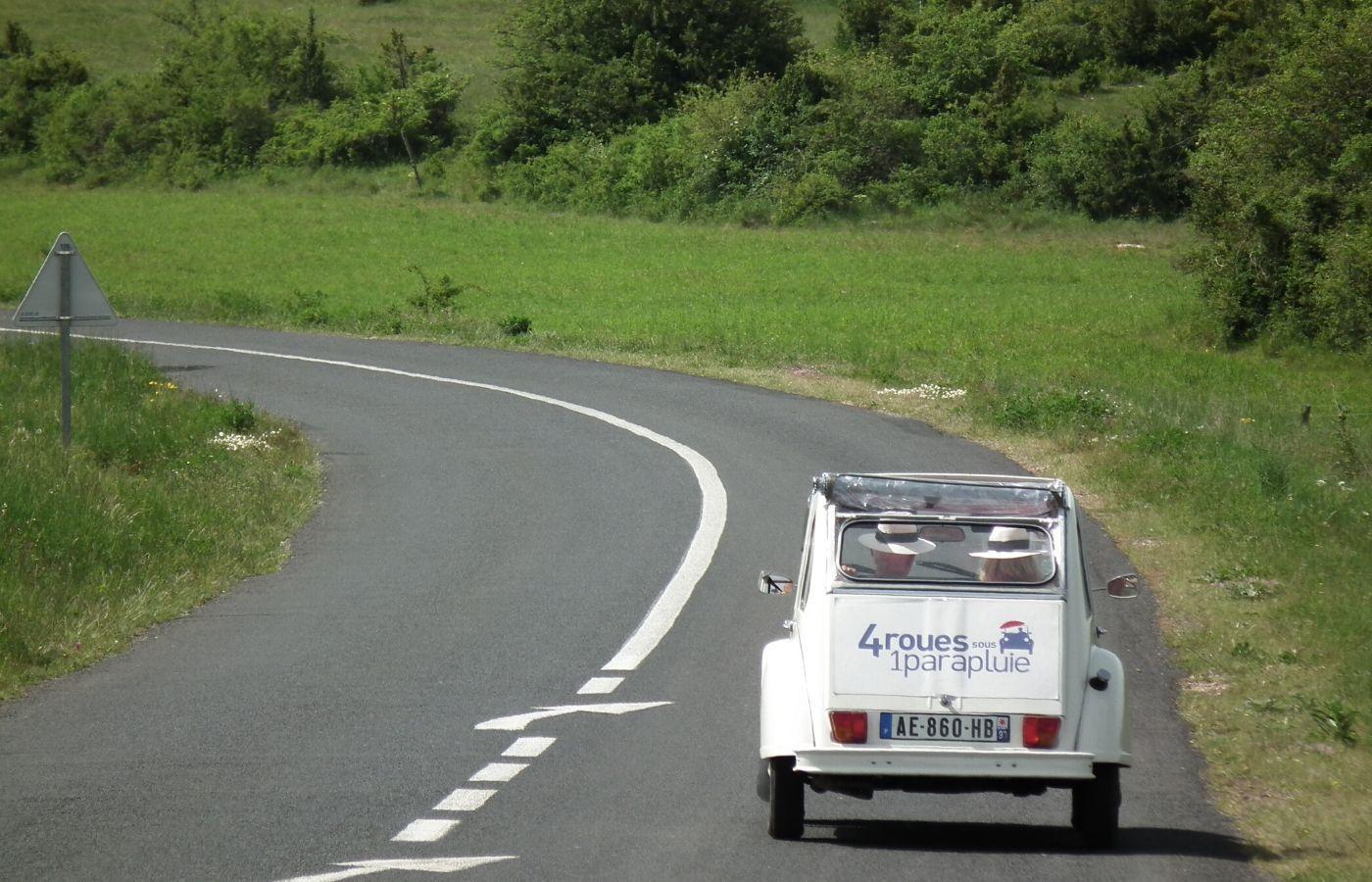 Rallye 2CV - Normandie - 4 roues sous 1 parapluie